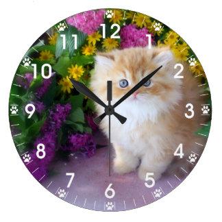 Flores amarillas púrpuras del rosa precioso de los reloj redondo grande
