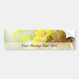 Flores amarillas y anaranjadas bonitas del Heleniu Pegatina Para Auto