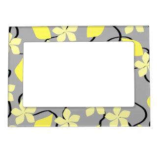 Flores amarillas y grises. Modelo floral Marcos Magneticos De Fotos