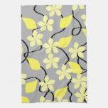 Flores amarillas y grises. Modelo floral Toalla De Mano