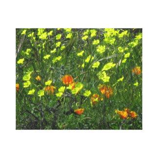 Flores amarillo-naranja lienzo envuelto para galerias