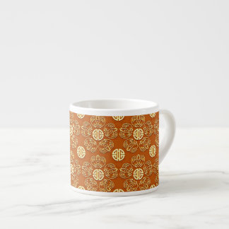 Flores anaranjadas de la longevidad taza espresso