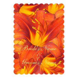 """Flores anaranjadas de los Daylilies del manojo que Invitación 5"""" X 7"""""""