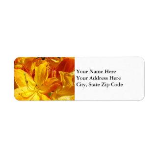 Flores anaranjadas florales del rododendro de las etiqueta de remite