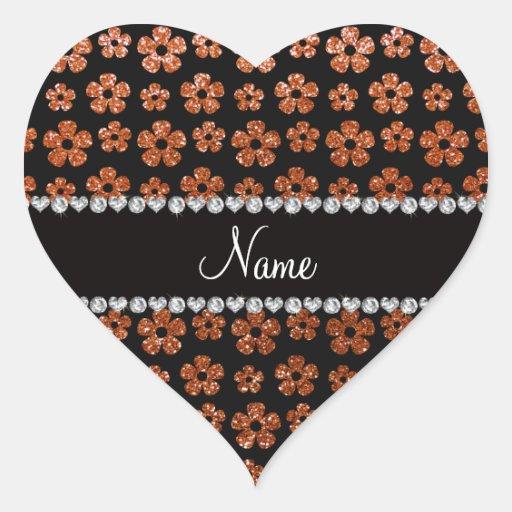 Flores anaranjadas quemadas nombre personalizadas pegatina en forma de corazón
