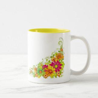 Flores atractivas taza de dos tonos