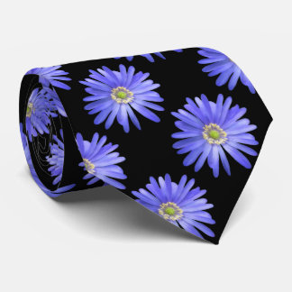 Flores azules de la anémona corbatas