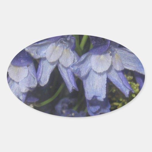 Flores azules del verano pegatinas óval personalizadas