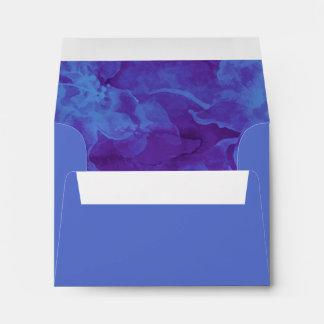 Flores azules y púrpuras de RSVP de la acuarela Sobres
