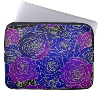 Flores azules y púrpuras fundas computadoras