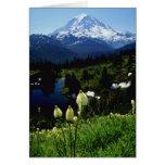 flores blancas del Monte Rainier Felicitaciones
