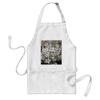Flores blancas del verano delantales