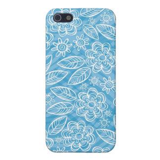 flores blancas delicadas en azul iPhone 5 carcasa