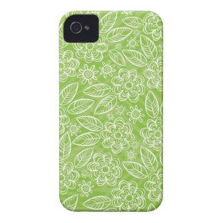 flores blancas delicadas en verde iPhone 4 fundas