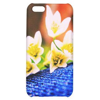 Flores blancas en el caso del iPhone 4G del dril d