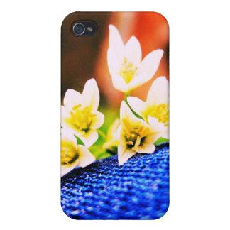 Flores blancas en el caso del iPhone 4G del dril d iPhone 4/4S Funda