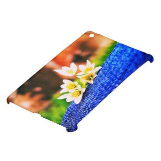 Flores blancas en el dril de algodón iPad mini protectores