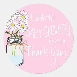 Flores blancas en fiesta de bienvenida al bebé del pegatina redonda