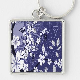 Flores blancas en Grunge azul Llavero Cuadrado Plateado
