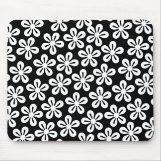 Flores blancas en Mousepad negro Tapete De Ratón