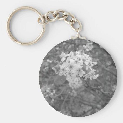 Flores blancas llaveros personalizados