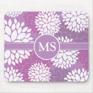 Flores blancas púrpuras tapete de raton