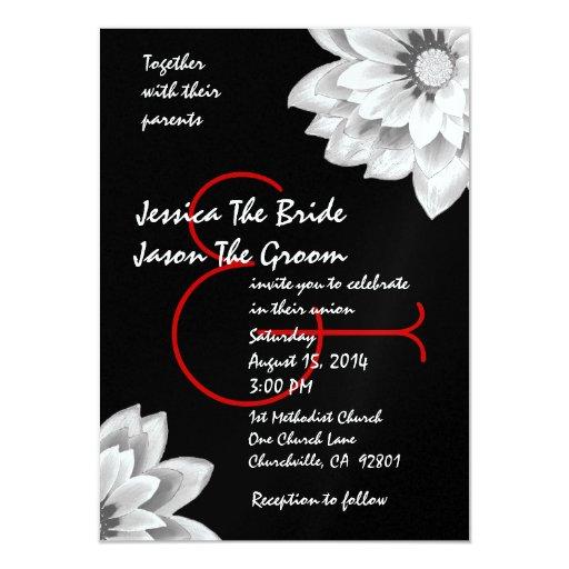 """Flores blancas y negras de plata que casan la invitación 4.5"""" x 6.25"""""""