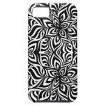 Flores blancos y negros del fractal de la tinta iPhone 5 Case-Mate cárcasa
