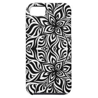Flores blancos y negros del fractal de la tinta iPhone 5 carcasa