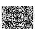 Flores blancos y negros del fractal de la tinta felicitación