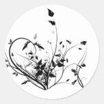 Flores blancos y negros etiqueta