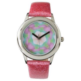 Flores bonitas y caleidoscopio rosado de las reloj de mano