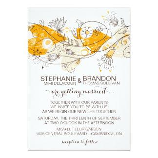 Flores caprichosas anaranjadas de los corazones invitación 12,7 x 17,8 cm