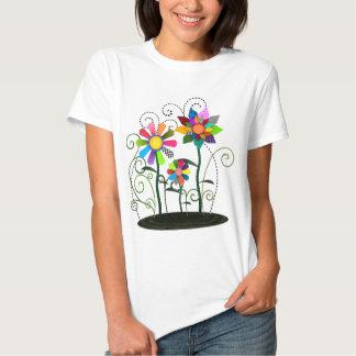 Flores caprichosas remera