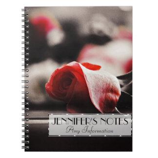 Flores color de rosa rosadas del vintage spiral notebook