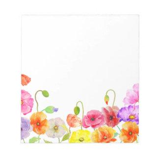 Flores coloridas de las amapolas de la acuarela bloc de notas