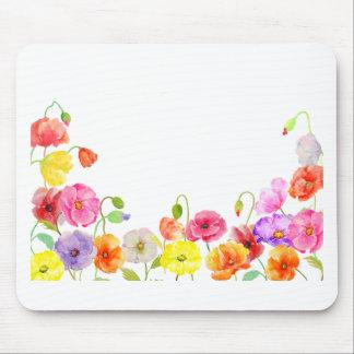 Flores coloridas de las amapolas de la acuarela alfombrilla de ratón