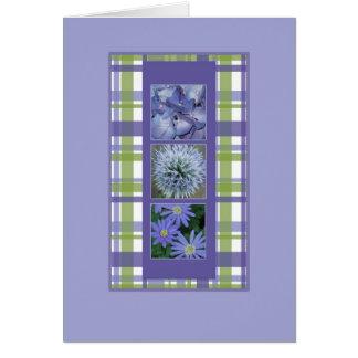 Flores con la tarjeta de la tela escocesa