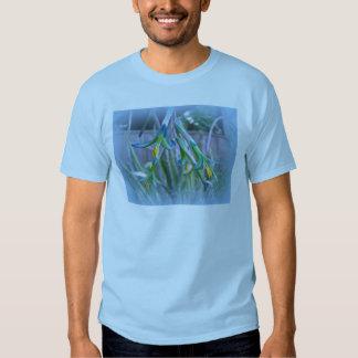 Flores de Bromeliad en azul Remera
