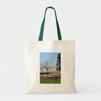 Flores de cerezo en el tote del parque de la costa bolsa lienzo