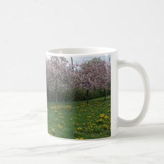 Flores de cerezo en HOMA Taza Básica Blanca