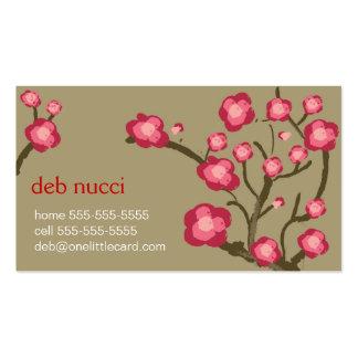Flores de cerezo en tarjeta de visita de color caq