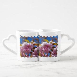 Flores de cerezo florecientes tazas para enamorados