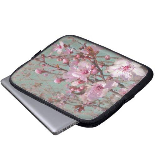 Flores de cerezo rosadas elegantes lamentables del fundas ordendadores