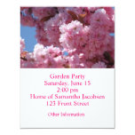 Flores de cerezo rosadas invitación 10,8 x 13,9 cm