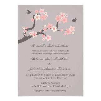 """Flores de cerezo rosadas/invitación gris del boda invitación 5"""" x 7"""""""