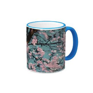 Flores de cerezo taza de dos colores