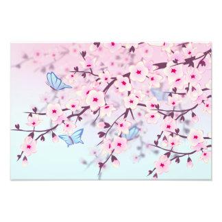 Flores de cerezo y niños de las mariposas cojinete