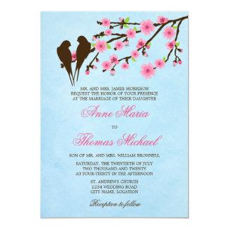 """Flores de cerezo y pájaros del amor que casan la invitación 5"""" x 7"""""""
