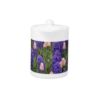 Flores de Holanda de jacintos y de tulipanes rosa